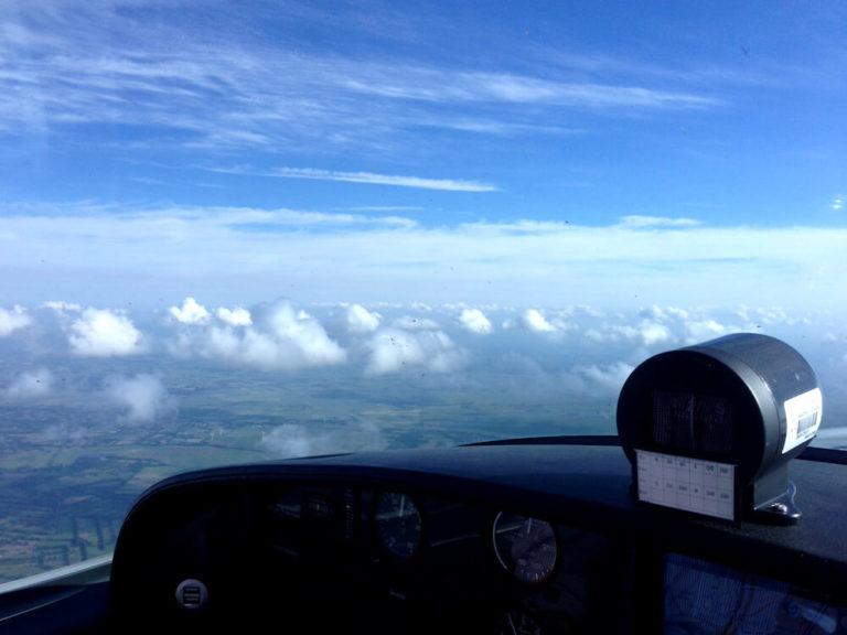 Strahlender Himmel - UL-Flug von Leer (Ostfriesland)